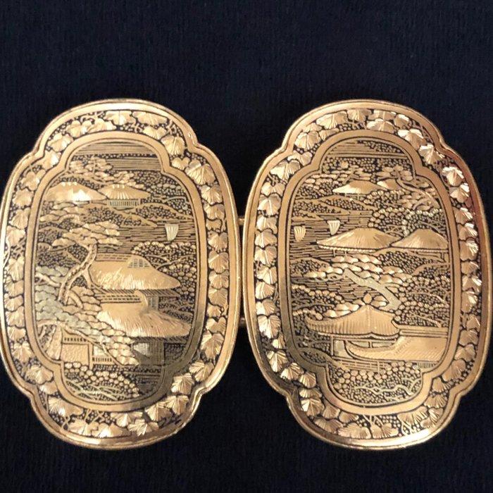 Belt buckle - Gilt metal - Japan - Meiji period (1868-1912)