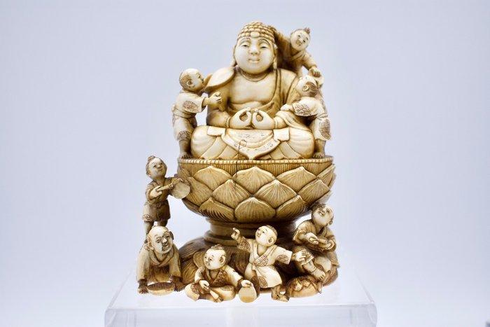 Okimono - Ivory - Japan - Meiji period (1868-1912)