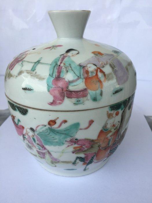 Jar (1) - Porcelain - China - Late 19th century