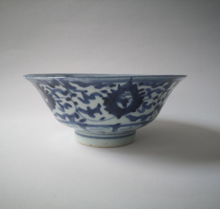 Wanli come (1) - Blue and white, Floral - Porcelain - Flowers, Peony - China - Qing Dynasty (1644-1911)