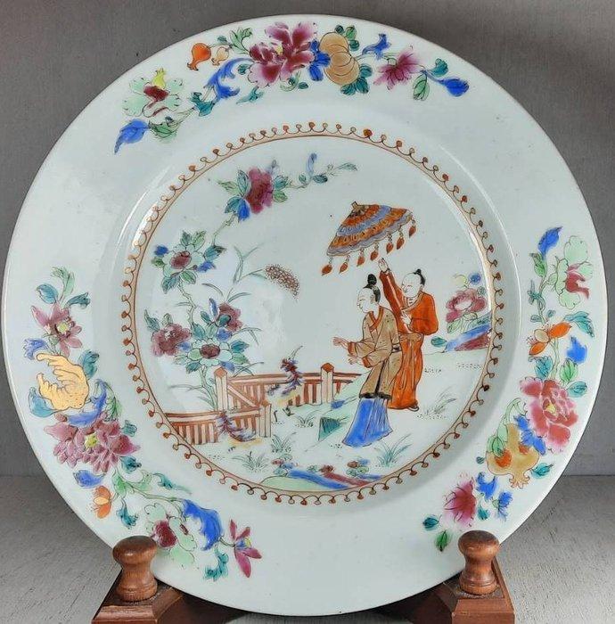 Plate - Famille rose - Porcelain - After Cornelis Pronk: 'Dames au parasol' - China - Qianlong (1736-1795)