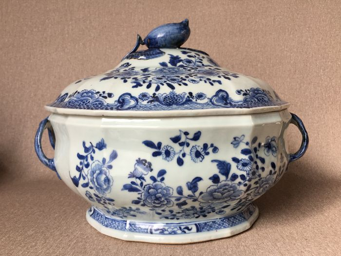 Tureen - Porcelain - China - 18th century