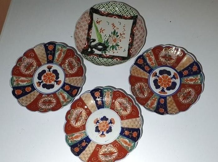 Plate (4) - Imari - Porcelain - Japan - Meiji period (1868-1912)
