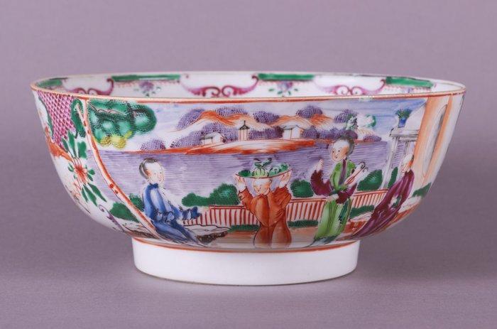 Bowl - Famille rose - Porcelain - A FAMILLE ROSE PUNCH BOWL - China - Qianlong (1736-1795)