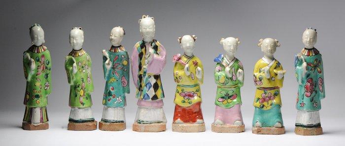 Statue (8) - Porcelain - Porcelain Figure Qianlong/Jiaqing Period - China - 18th century