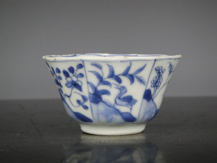 Tea cup - Blue and white - Porcelain - China - 18th century