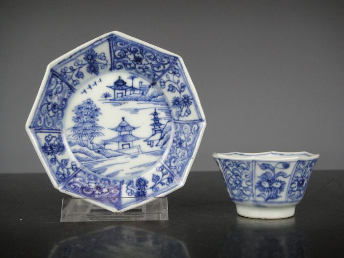 Cup and saucer (2) - Blue and white - Porcelain - China - 18th century