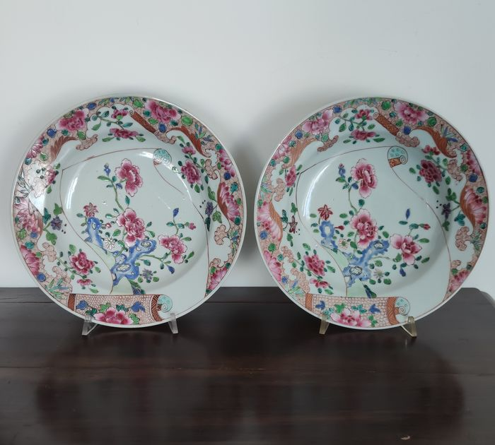 2 soup plates famille rose company of the indies - Porcelain - China - Qianlong (1736-1795)