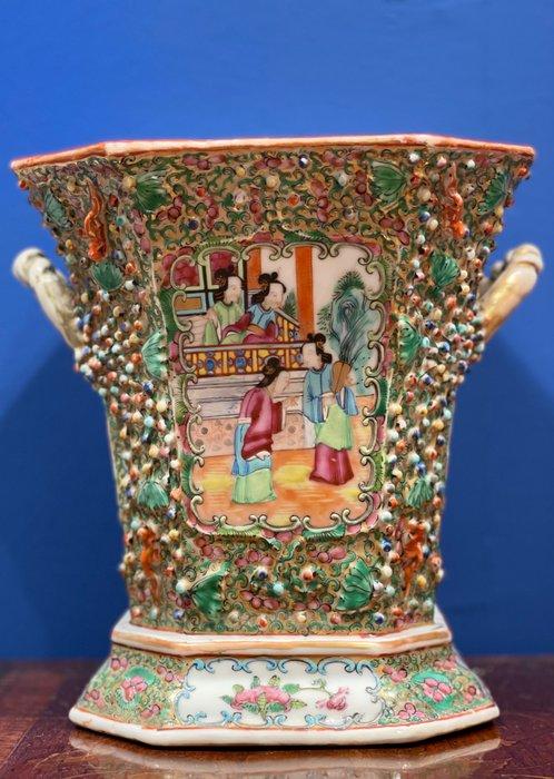 Vessel (1) - Famille rose - Porcelain - Rare Canton Famille rose vessel - China - 19th century