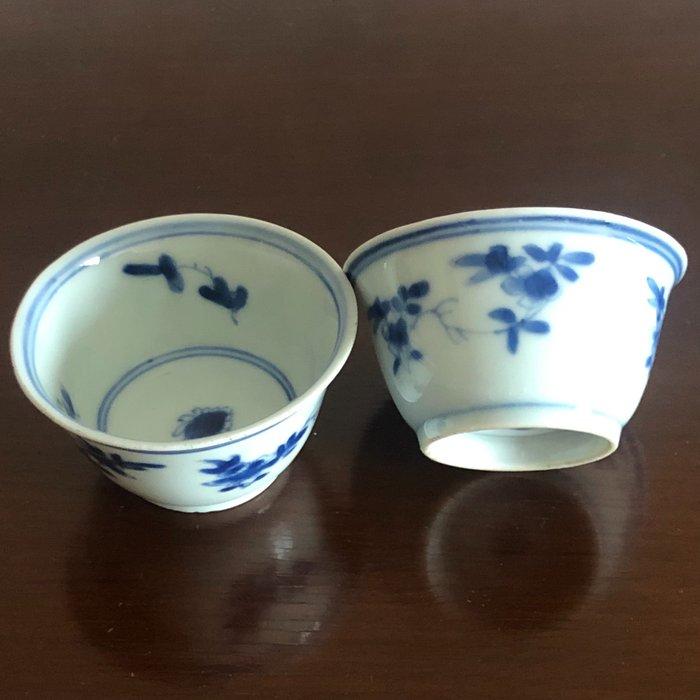 Cup (2) - Porcelain - China - Kangxi (1662-1722)