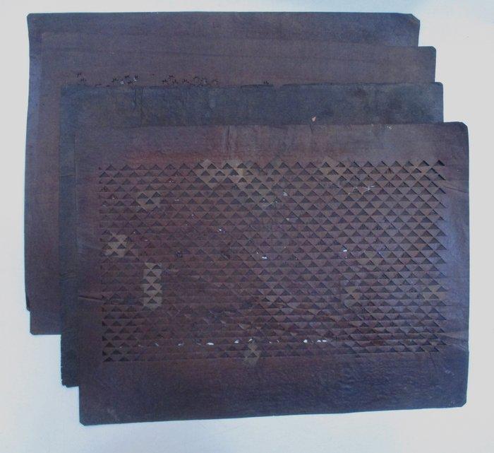Katagami (4) - Paper - 4 old paper Katagami paper patterns 型紙 for dyeing Kimono - Japan - Meiji period (1868-1912)