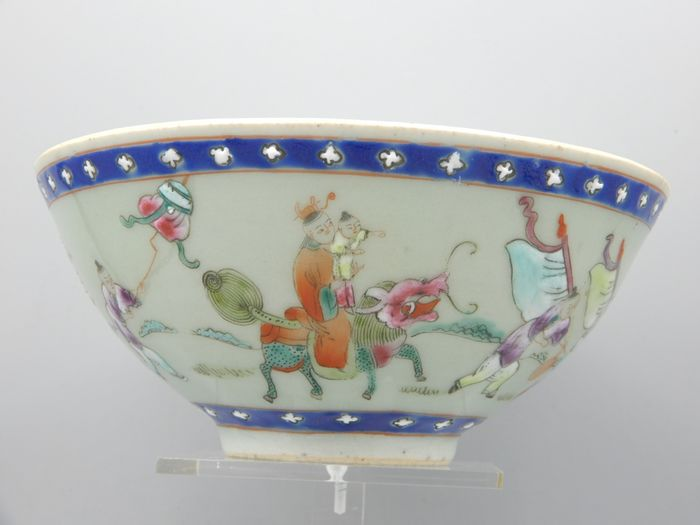Bowl with procession decoration - Porcelain - China - Guangxu (1875-1908)