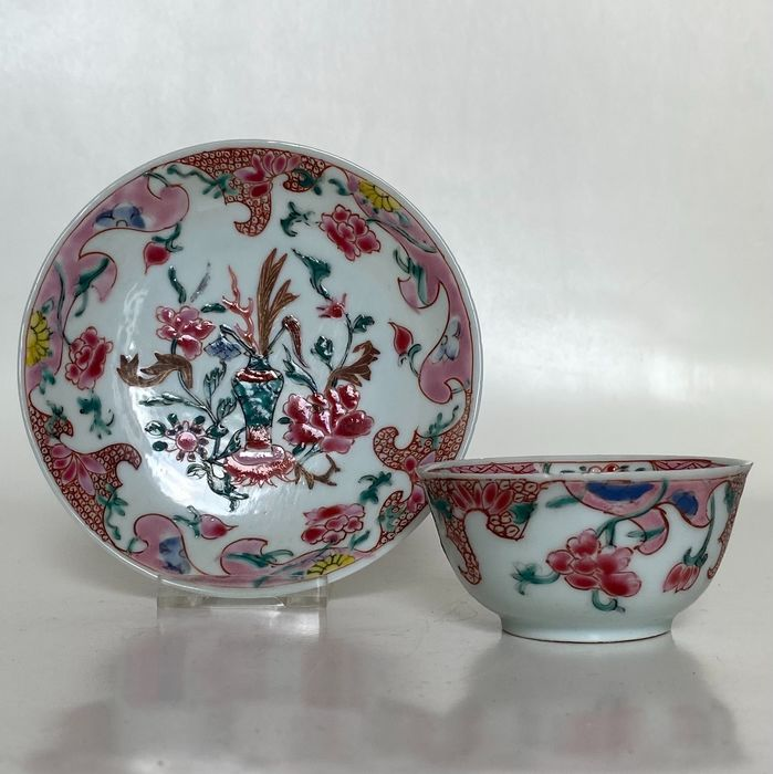 Cup & saucer (2) - Famille rose - Porcelain - China - Yongzheng (1723-1735)