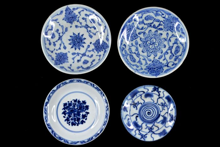 Plates (4) - Blue and white - Porcelain - China - Qing Dynasty (1644-1911)