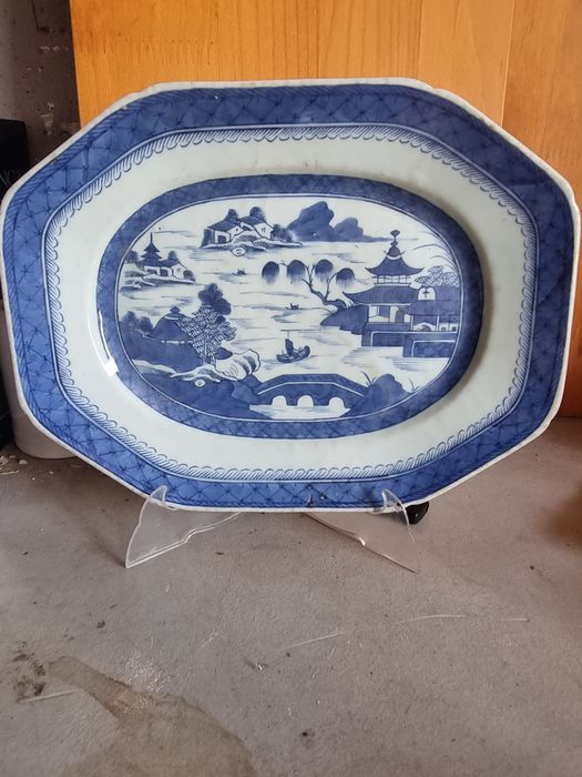 Platter - Blue and white - Porcelain - China - 18th century