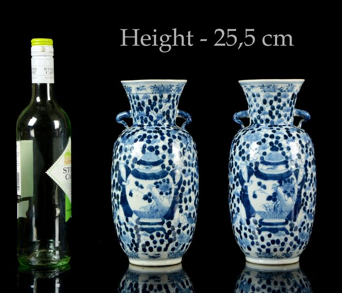 A pair of Chinese double sided vases (2) - Blue and white - Porcelain - Boys, vases, birds, blossom - Boys holding vases - NO RESERVE PRICE - China - Guangxu (1875-1908)