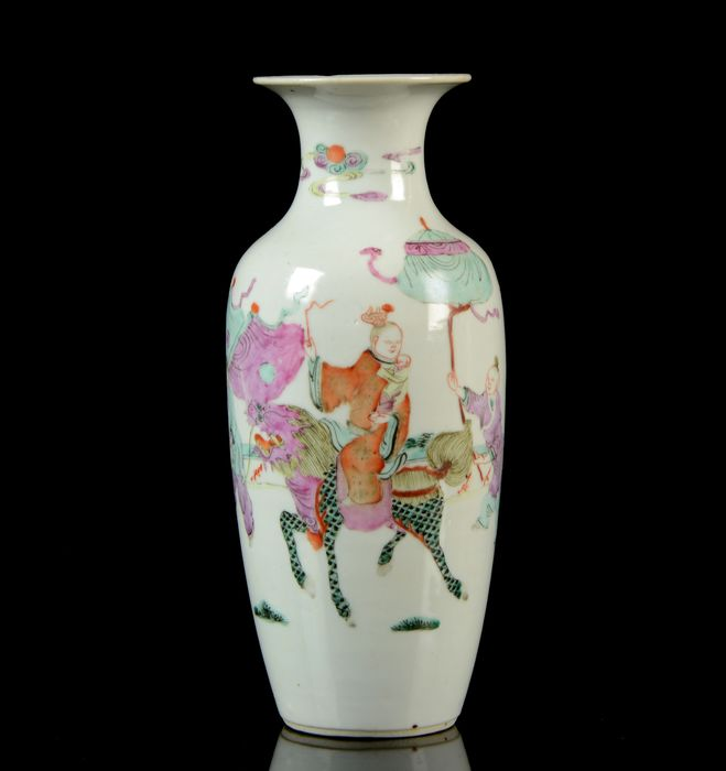 A Chinese baluster vase - Qian Jiang Cai - Porcelain - Ladies, trees, fence, flowers, calygraphy - NO RESERVE PRICE - Garden terrace scene - China - Late 19th century