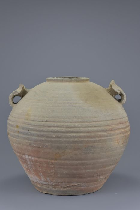 Bowl - Stoneware - A LARGE CHINESE WESTERN HAN DYNASTY ROUND STONEWARE JAR - China - Han Dynasty (206 B.C.- 220 A.D.)