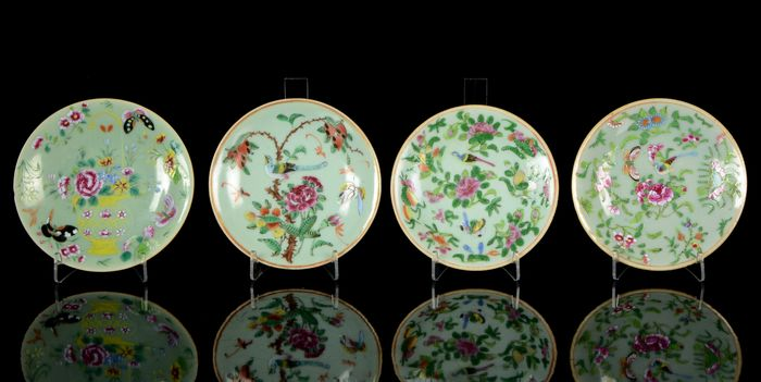 Plates (4) - Celadon, Famille rose - Porcelain - Birds, butterflies, insects, peonia and other flowers, vase - China - Daoguang (1821-1850)