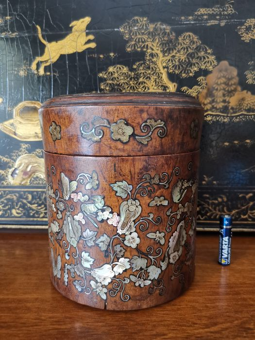 Tea caddy (1) - Hardwood, Mother of pearl - China - Qing Dynasty (1644-1911)