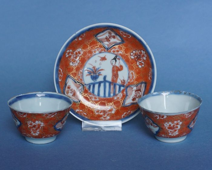 set of Chinese Imari porcelain (3) - Imari - Porcelain - Long list in garden - China - Yongzheng (1723-1735)