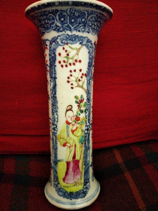 Vase (1) - Famille rose - Porcelain - qianlong cylindrical vase - China - Qianlong (1736-1795)