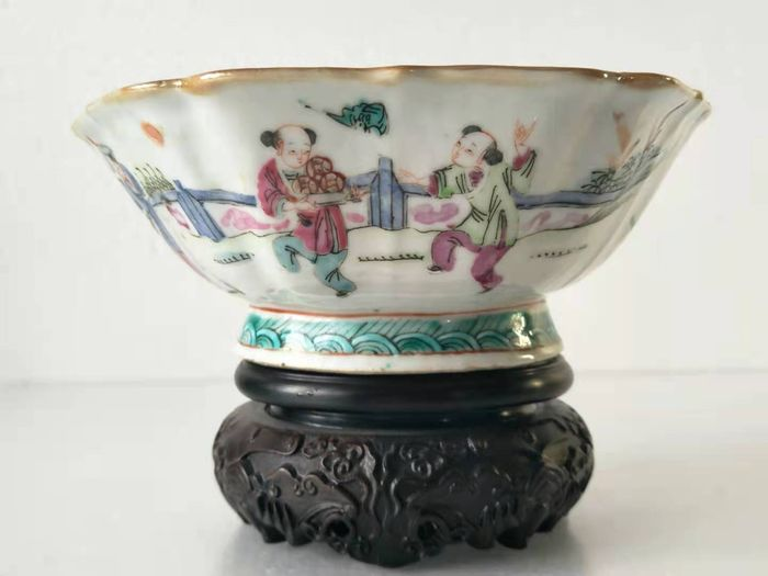 Stem bowl - Famille rose - Canton enamel - character - China - 19th century