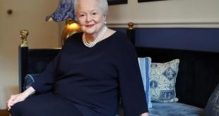 Feud : Ryan Murphy poursuivi en justice par Olivia de Havilland