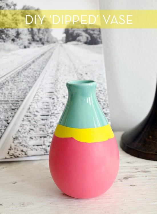 DIY Colorful Vase Wrapped In Stretched Balloons
