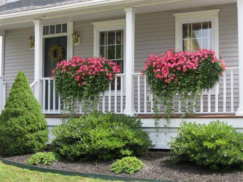 Roundup: 10 Quick Projects To Boost Your Curb Appeal