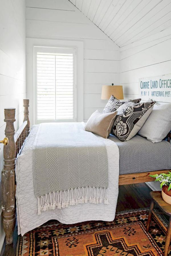 Roundup: 10 Ways to Make Your Bed