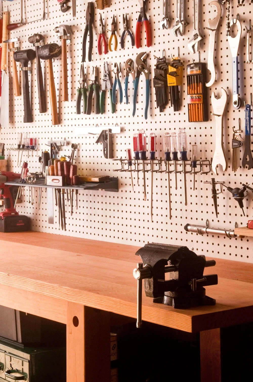 How To Make The Ultimate Garage Workbench Curbly