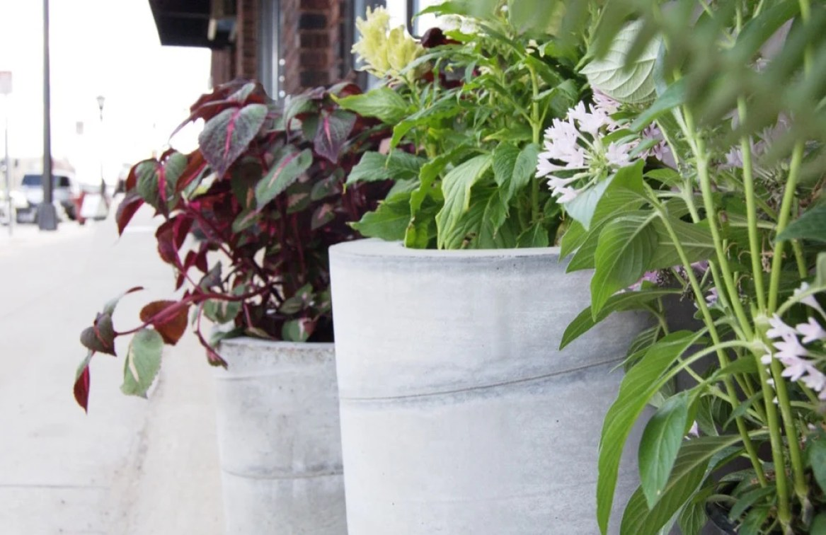 DIY large scale concrete planters