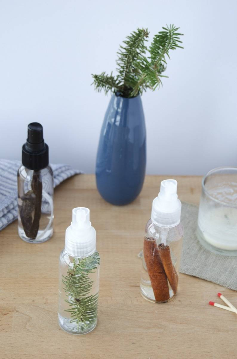 How to mix up your own room spray! Makes for a great gift!