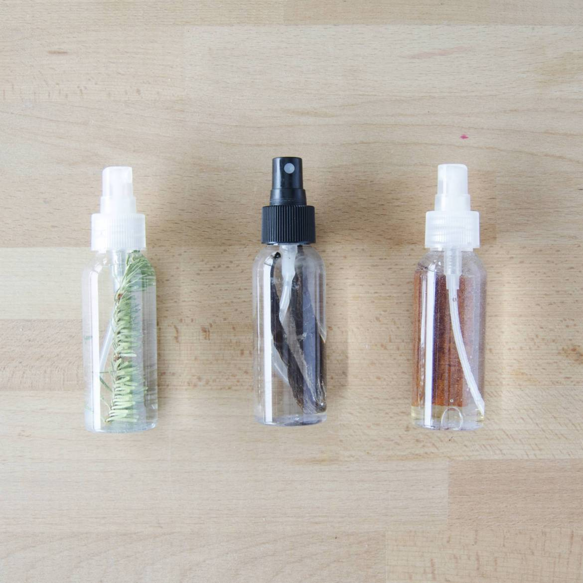 How to make pine, vanilla, and cinnamon-scented room sprays!