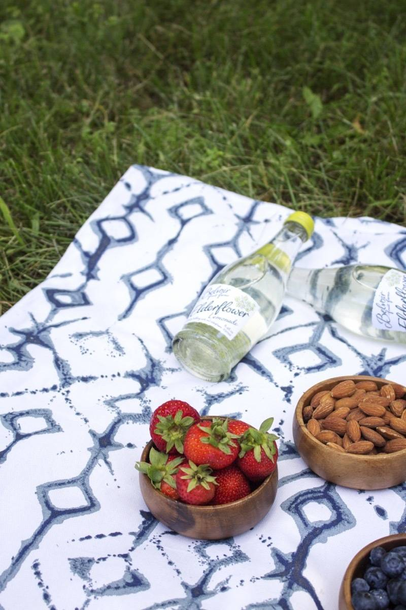 Take your lunch outside on this DIY picnic blanket for two