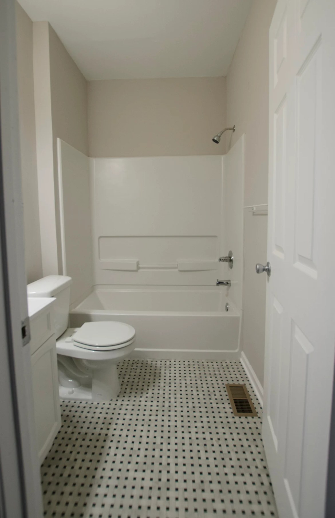 Tips for Styling a Plain Builder Grade Bathroom