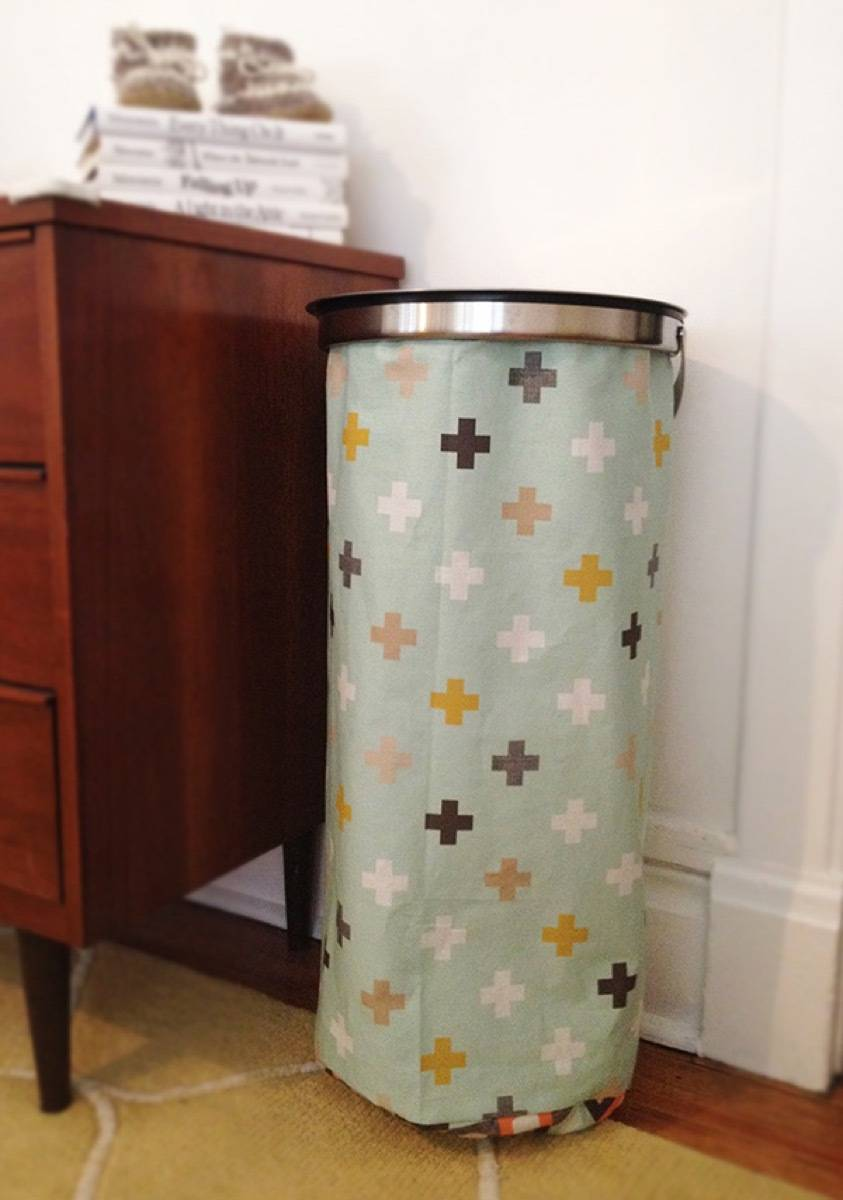 99 ways to use fabric to decorate your home   Custom laundry hamper
