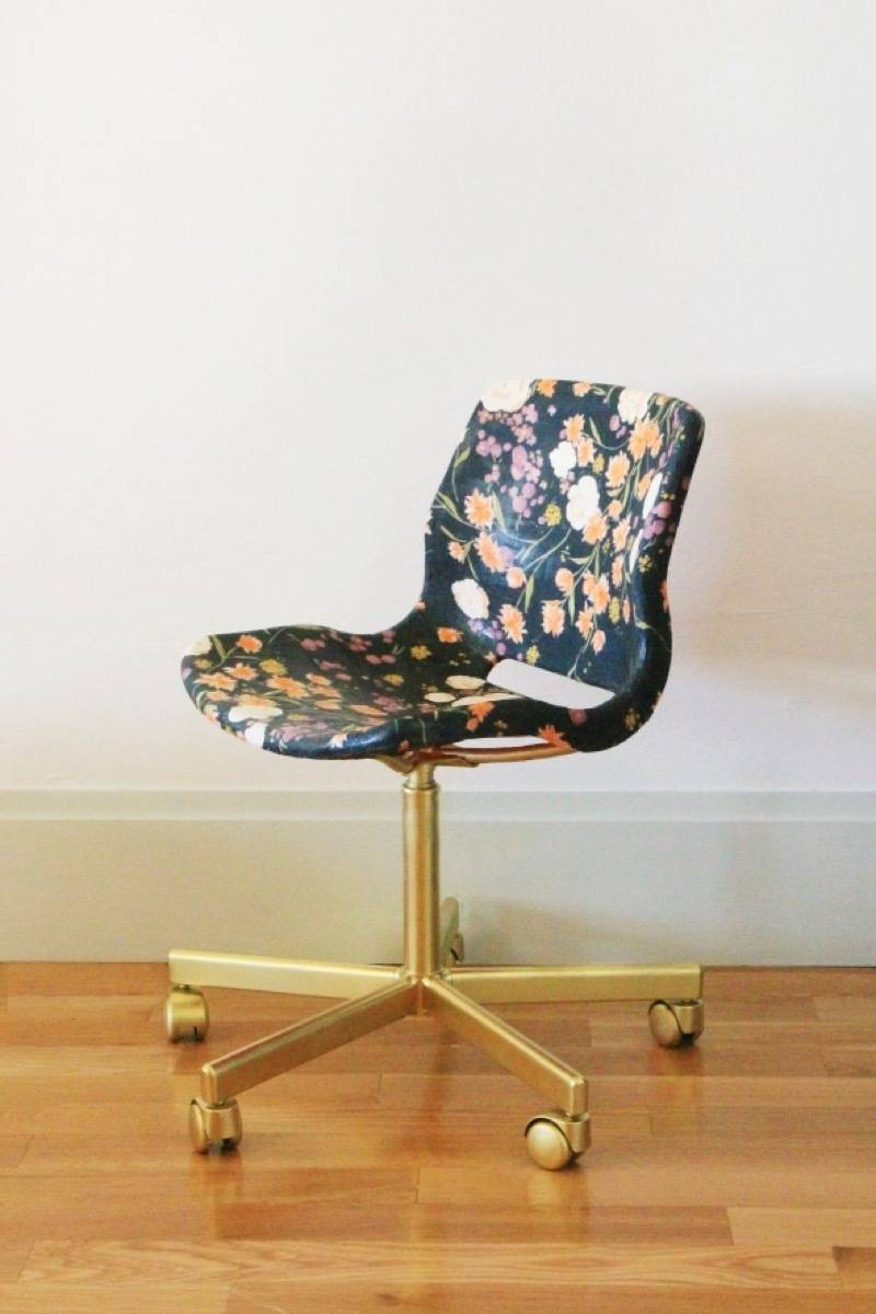99 ways to use fabric to decorate your home   Decoupaged chair
