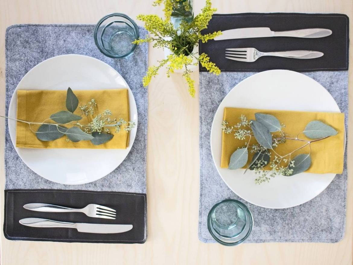 How to make a set of simple placemats from felt