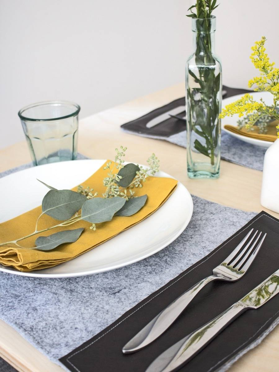 DIY these felt and vinyl placemats