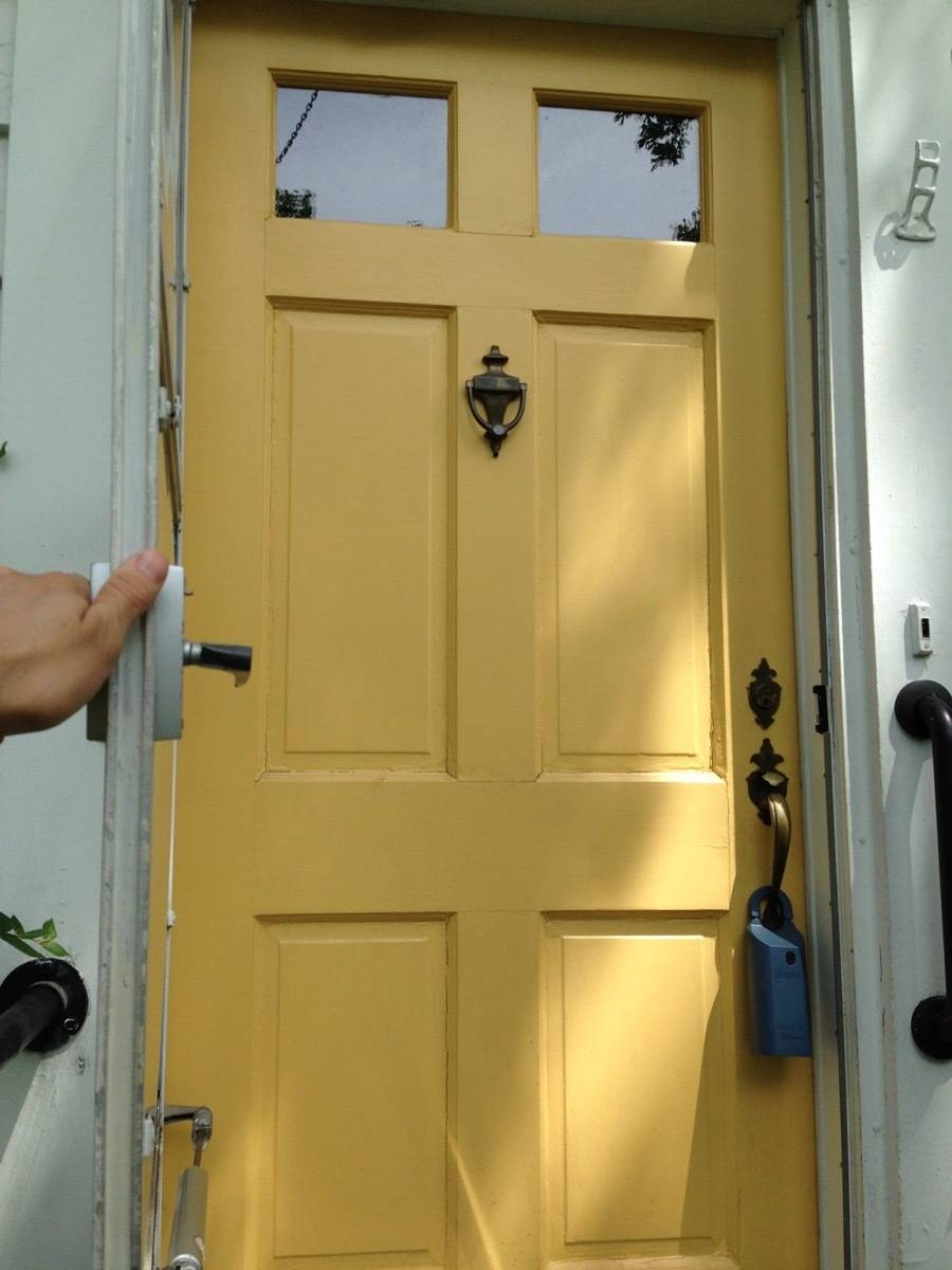 Curbly House door - before - yellow