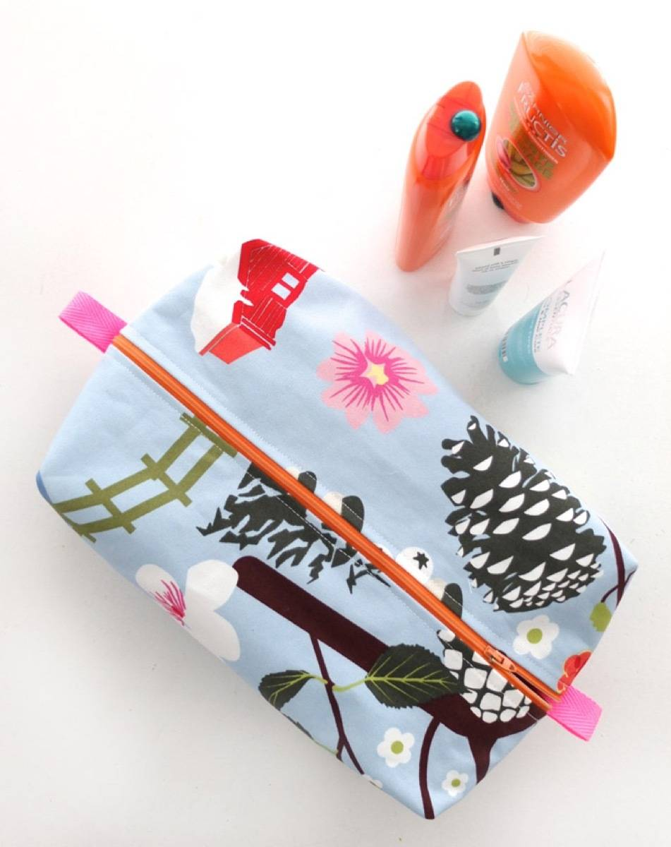 DIY Mother's Day Gift Ideas: Wash bag