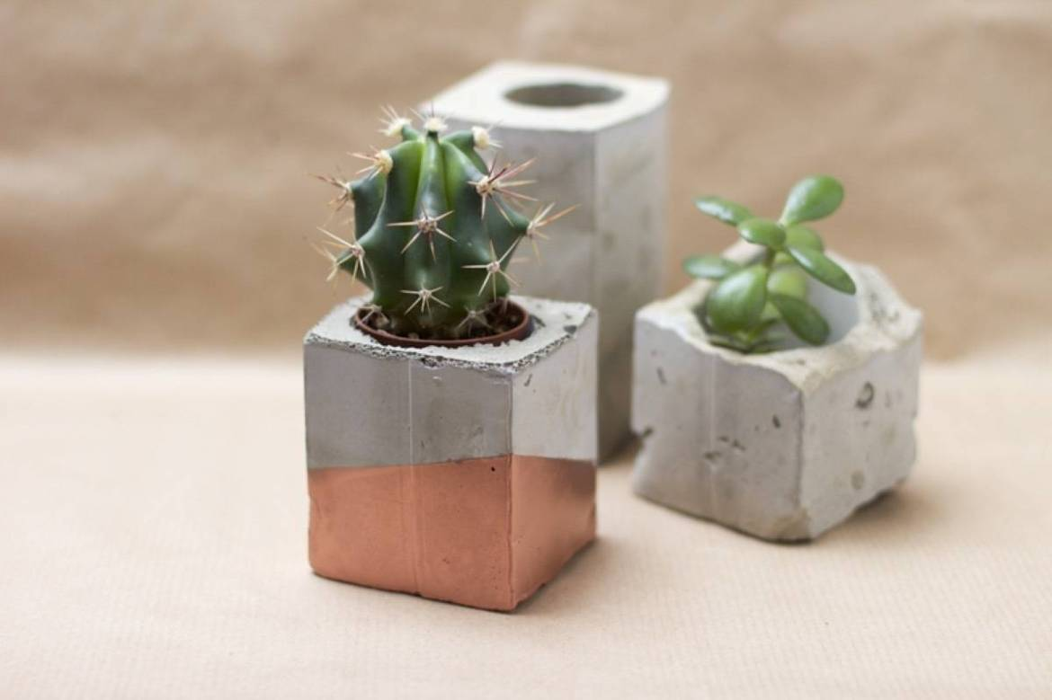 DIY Mother's Day Gift Ideas: Concrete and bronze planters