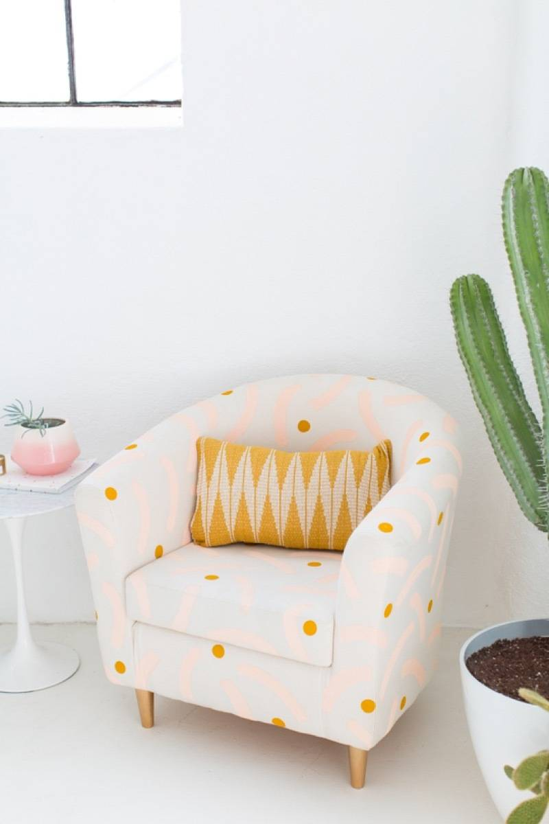 Painted chair tutorial from Sugar & Cloth