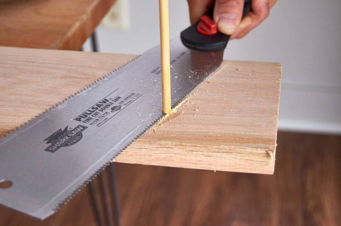 The flush cut saw in action
