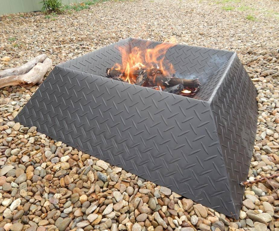 Cool and compact fire pit