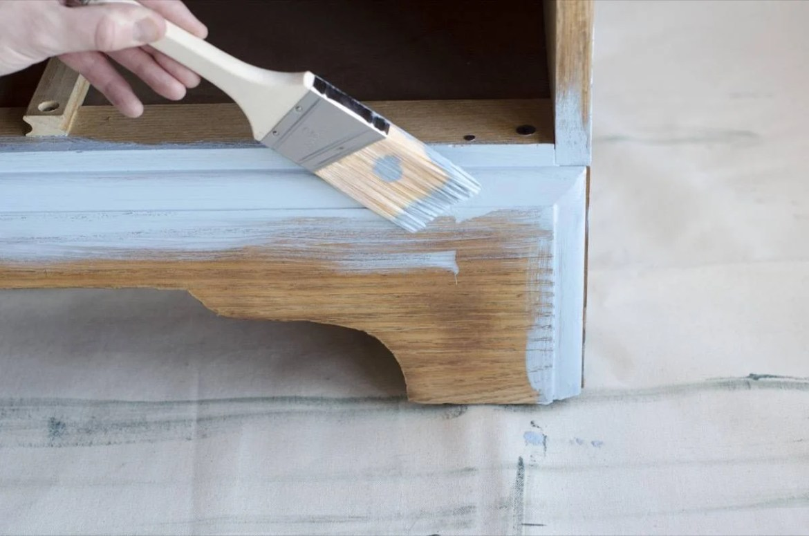 Step 6 | Paint with an angled brush