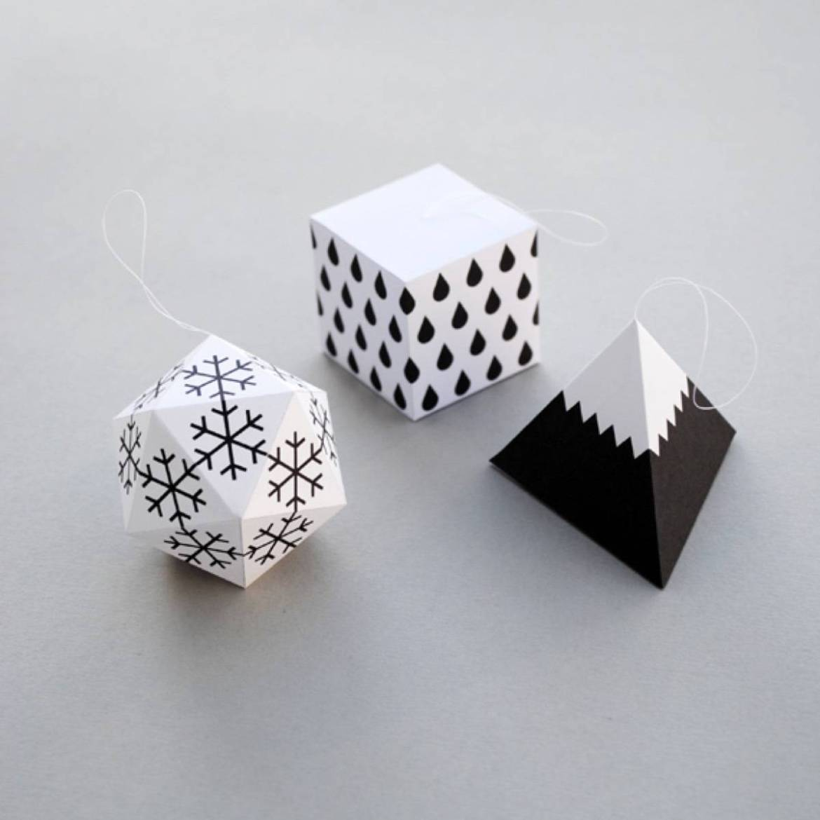 Printable black and white ornaments