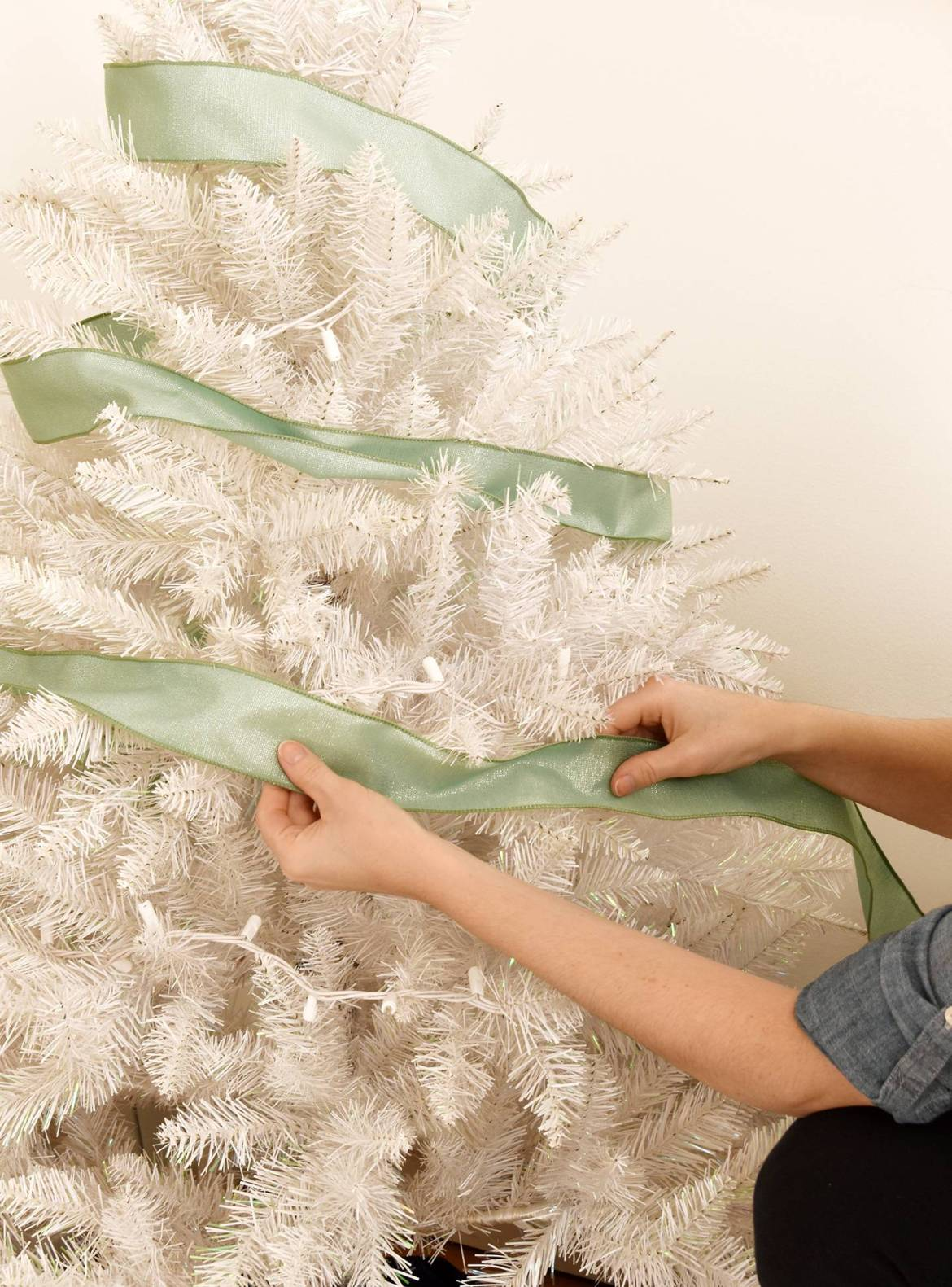 How To Decorate A Christmas Tree With Ribbon | Curbly #christmas #holiday #ribbon #nontraditional #unique